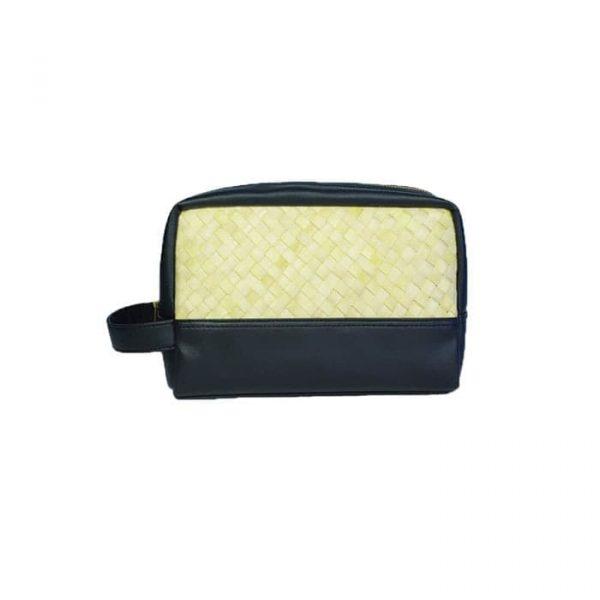 Pouch Bag Hitam dari Anyaman