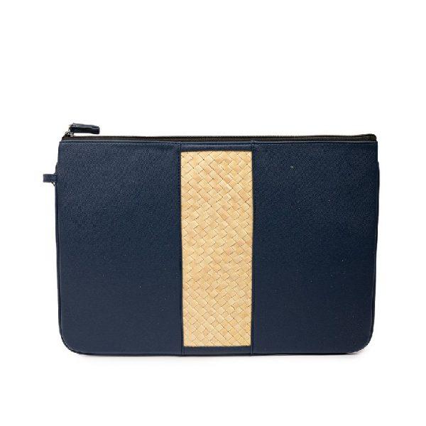 Laptop Sleeve Biru dengan Anyaman