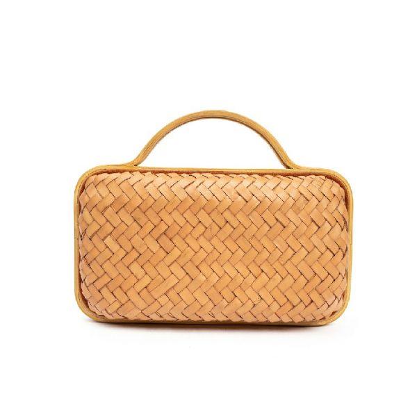 Clutch Bag Wanita dari Anyaman Flores