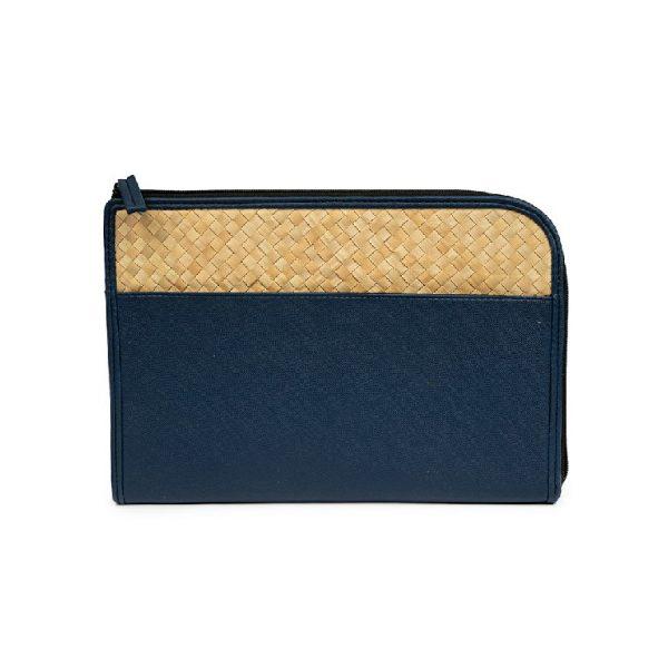 Tas Tablet Biru dengan Anyaman