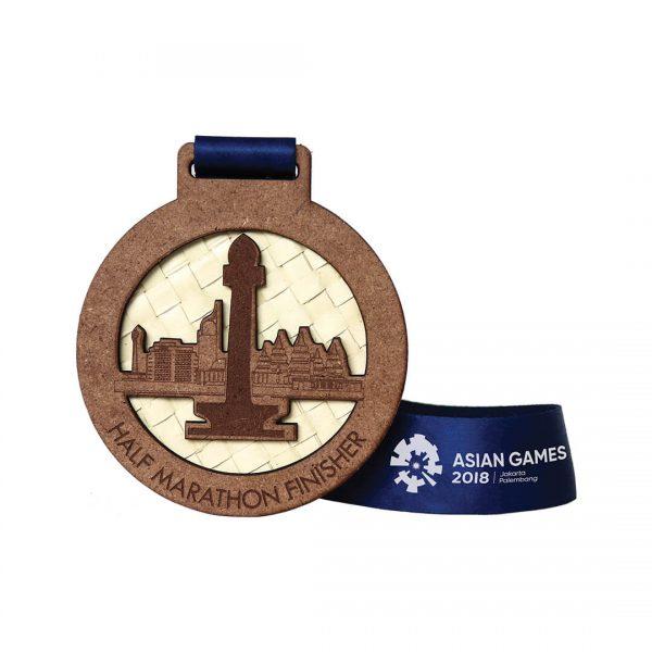 Medali Ramah Lingkungan dari Anyaman
