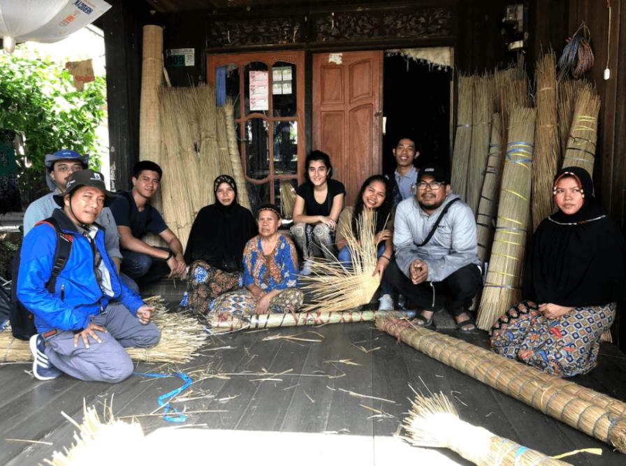 Komunitas Penganyam Tanaman Purun Kalimantan